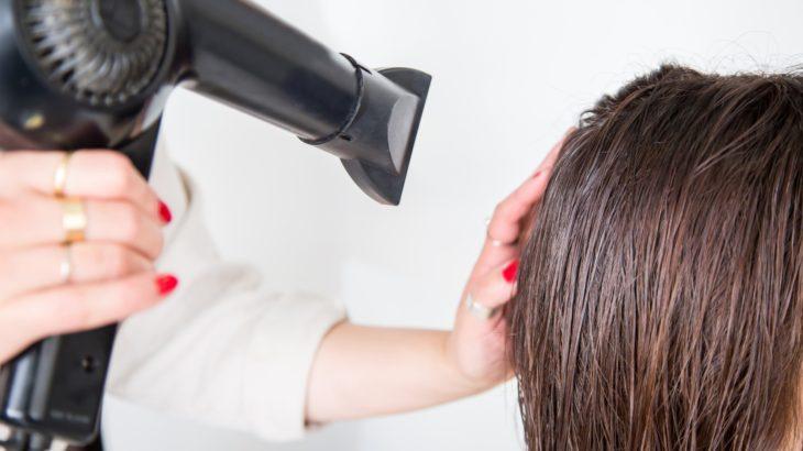 ヘアサロンで聞いた髪のボリュームを出すためのドライヤーの使い方