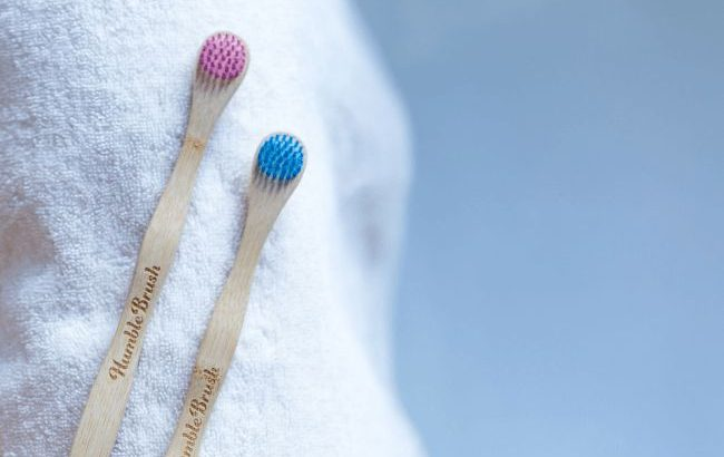 オシャレ・エコな歯ブラシ「Humble Brush(ハンブル ブラッシュ)」に舌クリーナーが登場
